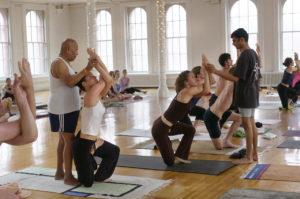 What is the difference between Ashtanga, Vinyasa & Bikram Yoga? 6