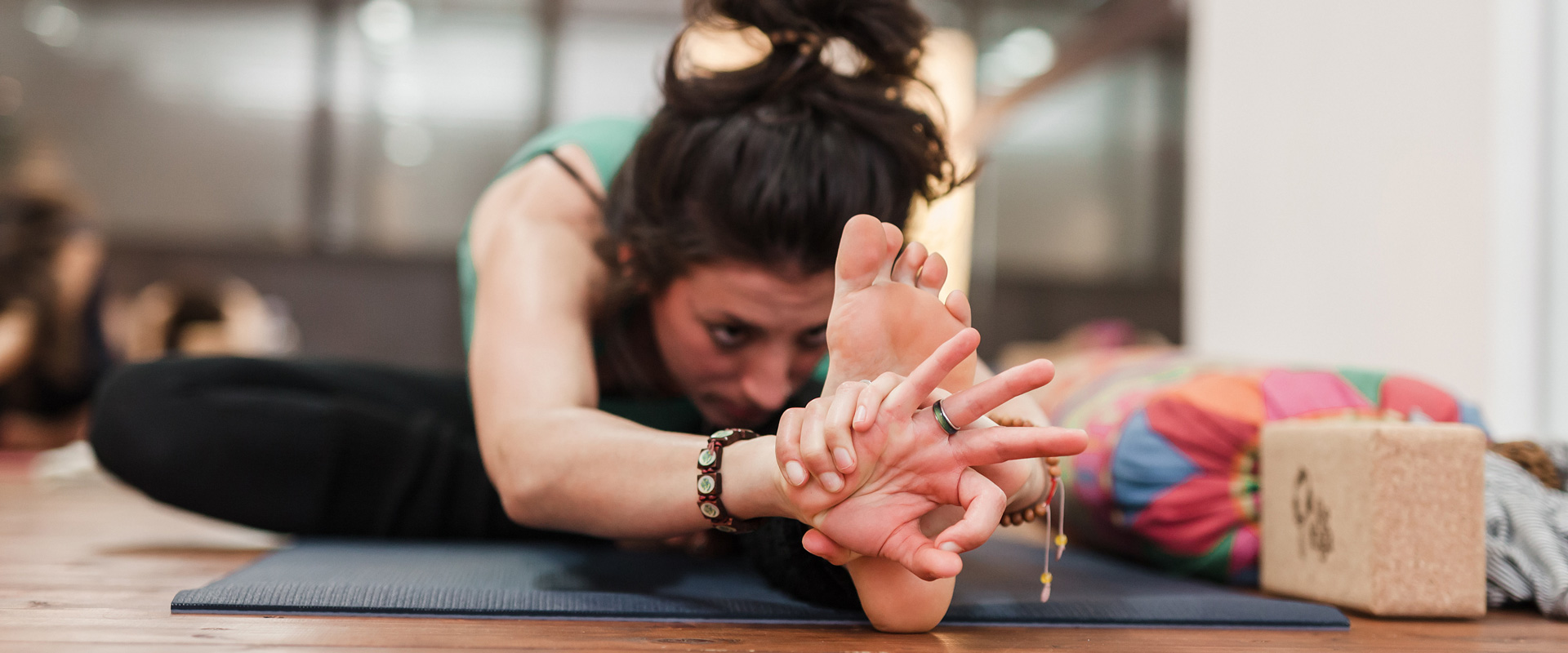 Which yogasana helps in overall weight lose? 23