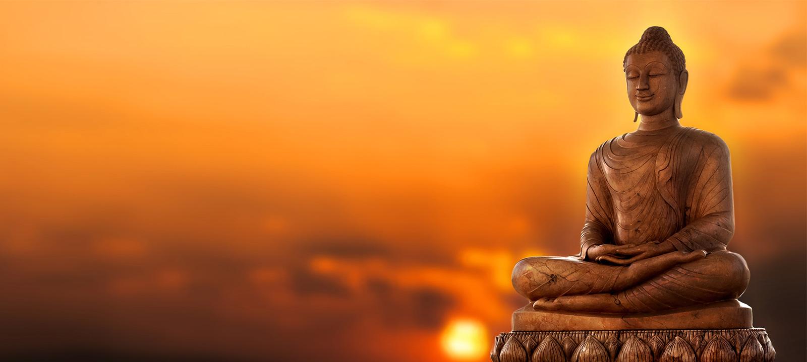 How do Buddhists practice mindfulness meditation? 1