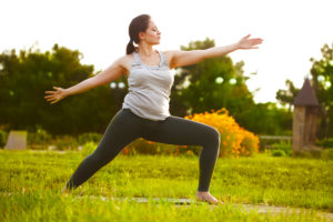 Which is better for weight loss, yoga or going to the gym? 4
