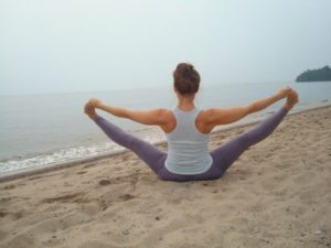 What are some basic yoga stretches for beginners? 10