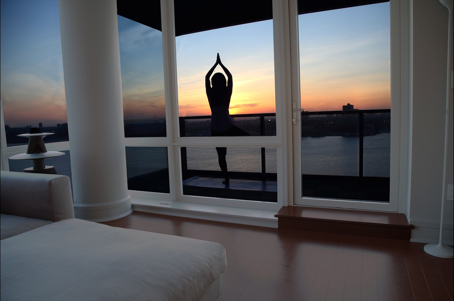 What are the yoga exercises to make your eyes healthy? 1