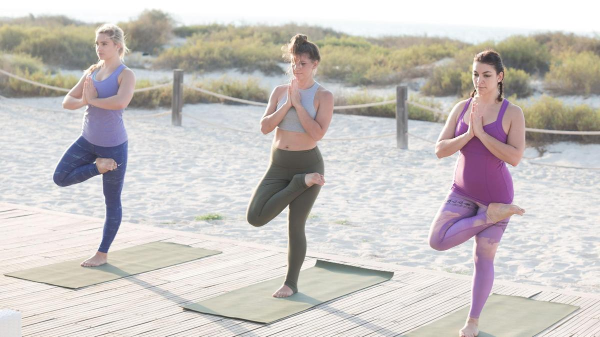 Which yoga poses are best to get rid of controlling behavior? 4