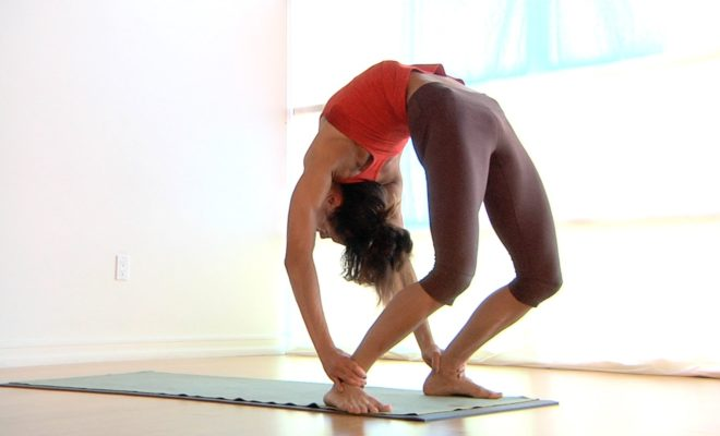 What are the most easiest yoga poses? 12